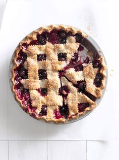 Indulge in this Cherry-Berry Jumble Fruit Pie, inspired by Sarah Spaugh's winning pie at the 2006 North Carolina State Fair. Mothers Day Desserts, Just Desserts, Delicious Desserts, Summer Desserts, Sweet Desserts, Easy Pie Recipes, Dessert Recipes, Dessert Ideas, Fall Recipes