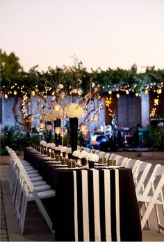 Black And White Tablecloth, Striped Table Runner, White Napkins, Gold Wedding, Dream Wedding, Wedding Day, Striped Wedding, Wedding Venues, Black And White Wedding Theme