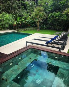 criamos-o-spa-integrado-a-piscina-com-borda-infinita-revestida-com-pedras-hija-borda/ delivers online tools that help you to stay in control of your personal information and protect your online privacy. Swimming Pool Tiles, Swimming Pools Backyard, Pool Landscaping, Jacuzzi, Piscina Interior, Outdoor Water Features, Pool Fountain, Backyard Pool Designs, Interior Garden
