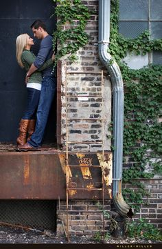 Chicago engagement photography photographers downtown skyline IL wedding photos by ♥ Miller + Miller Sophisticated Elegance Modern High Fashion Style Photos Urban Engagement Photos, Engagement Shots, Engagement Photo Inspiration, Engagement Couple, Engagement Pictures, Country Engagement, Engagement Ideas, Fall Engagement, Wedding Photography Props