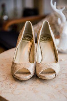 gold wedding shoes http://www.weddingchicks.com/2013/09/05/geometric-wedding/