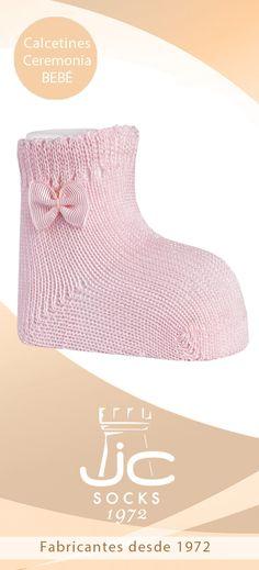 Calcetines bebé con lazo diferentes colores. JC Castellà fabricantes calcetines bebé celebración Fashion, Socks, Hair Bows, Colors, Bebe, Moda, Fashion Styles, Fashion Illustrations