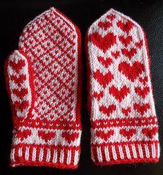 Ravelry: Herzerl pattern by contrabas knits Double Knitting Patterns, Knitted Mittens Pattern, Crochet Mittens, Fingerless Mittens, Knitting Socks, Free Knitting, Knitting Projects, Crochet Projects, Fair Isle Knitting