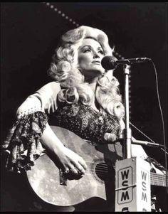 Dolly Parton by dona