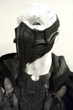 The Alchemist - a commission in leather designed by based on a traditional Venetian Bauta mask - with a gothic twist. This mask will be worn at the Carn. The Alchemist - leather mask Armadura Medieval, Leather Armor, Leather Mask, Larp, Mascara Oni, Mascara Papel Mache, Character Inspiration, Character Design, Cosplay Armor