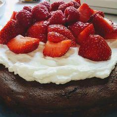 Glutenfreier Schokoladenkuchen: Rezept für einen wirklich einfachen und leckeren Kuchen, der auch noch low carb ist. Garantiert ein Knaller!