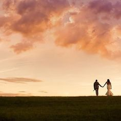 Central ORegon Some moments are perfect in every way. Congratulations Sandy + Nick! Image by @kimberlykayphoto #pronghornfan #wedding #sunset #inbend #bendoregon #centraloregon #oregonweddings #bride #aubergeresorts