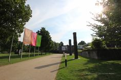 Eingangsbereich des Stadtgartens und Zugang zum Reuchlinhaus mit seinem weltbekannten Schmuckmuseum.