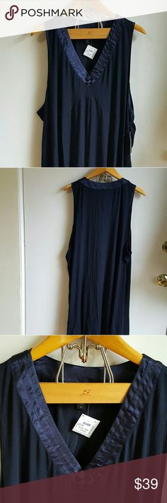 """Carole hochman short nightgown chemise 3x plus V neck with satin woven detail. Short nightie. Check measurements to see how the length would work for you.  This is so incredibly Soft! Sleeveless. NWT. Great gift idea! Measurement length from back of neck to bottom hem 36.25"""", bust 28-31. Color is navy. Carole hochman  Intimates & Sleepwear Chemises & Slips"""