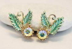 Vintage earrings. Crystal earrings. Leaf by chicvintageboutique