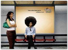 Esempi di insegne pubblicitarie alle fermate degli autobus