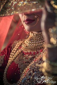 Indian Bride Photography Poses, Indian Bride Poses, Indian Wedding Poses, Indian Bridal Photos, Wedding Couple Poses Photography, Indian Weddings, Bridal Photography, Bridal Dress Indian, Pakistani Wedding Photography