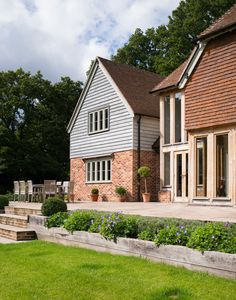Manor Houses - Border Oak - oak framed houses, oak framed garages and structures. Oak Cladding, House Cladding, Exterior Cladding, Cottage Extension, House Extension Design, House Design, Bungalow Exterior, Bungalow Renovation, Style At Home