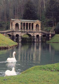 Covered bridge, Bath, England