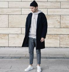 42 perfect minimalist outfit for men men fashion fashion, mi Simple Street Style, Minimalist Street Style, Minimalist Fashion, Minimalist Outfits, Mode Man, Mode Streetwear, Herren Outfit, Mens Fashion Suits, Fashion Fashion