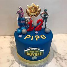 Tarta buttercream videojuegos. Birthday Cake, Cupcakes, Desserts, Food, Fondant Cakes, Lolly Cake, Candy Stations, One Year Birthday, Videogames