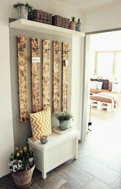 DIY Garderobe diy home pictures Decoration Hall, Decoration Crafts, Diy Shoe Rack, Diy Wardrobe, Wardrobe Ideas, Simple Wardrobe, Wardrobe Design, Diy Casa, Hallway Decorating