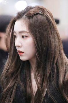 Irene - Arrival at Incheon Airport Seulgi, Red Velvet Irene, Black Velvet, Ulzzang Girl, Face Shapes, K Pop, Hair Goals, Kpop Girls, Red Hair