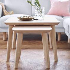 Neue Ikea Couchtische LISABO: der große ist 70x70 cm, 50 cm hoch, kostet 79€