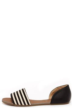 Striped Black Peep Toe Flats // these would be perfect for traveling this summer