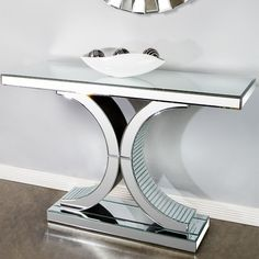 I pinned this Kylie Console Table from the Lowrey & Lane event at Joss and Main! Console Furniture, Mirrored Furniture, Metal Furniture, Home Decor Furniture, Modern Furniture, Diy Home Decor, Furniture Design, Entrance Table Decor, Entry Tables