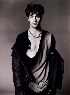 I am addicted to Aaron Taylor-Johnson.Under those circumstances I have created Taylor-Johnsons, a high resolution hand-picked photo. Aaron Taylor Johnson, Alexander Skarsgard, Handsome, Vogue, Hollywood, Actors, Blog, Gothic, January