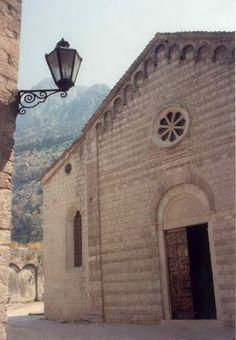 Világörökségek 40. Kotor - travellina.hu Montenegro, Mansions, House Styles, Manor Houses, Villas, Mansion, Palaces, Mansion Houses, Villa