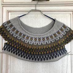 Медленно движется работа. #спицы #свитер #суперяк #спицами #жаккардспицами #жаккард #knitting_inspiration #knittingaddict #knitstagram #вяжу #вязание #вяжусама #вязаныевещи #вязанаяодежда #вяжутнетолькобабушки #knit #knitwear #knitstagram #lopapeysa #strikk #strikking #strikkedilla Crochet Top, Crochet Necklace, Digital, Jewelry, Tops, Women, Fashion, Moda, Crochet Collar