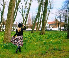 What to do in Bruges, Belgium? Take photos! Here a selection of top places & locations to visit in Bruges, perfect day trip from Brussels.   Most Instagram Worthy Places + Map