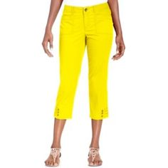 ❗️Curvy Fit Capri ☀️ Petite • Style & Co. Perfect for Spring/Summer! ☀️Bright yellow Style & Co. curvy-fit Capri. Size 8 Petite/Medium- fits true to size. Breathable material; 98% Cotton, 2% Spandex. Zipper/button front closure, 4 pockets, belt loop at the waist, and ADORABLE mini- button detail (photographed). Has been loved, and still in good condition. Lowest price unless bundled. Take advantage of a 15% discount when you bundle 2+ items, plus you save on shipping ❤️ Style & Co Pants…