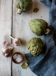 Fresh artichokes and garlic