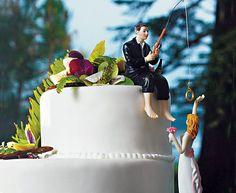 le marié : http://www.mariage-original.com/figurines-selon-theme/532-figurine-le-marie-a-la-peche.html  la marié : http://www.mariage-original.com/figurines-humoristiques/947-figurine-la-mariee-au-bras-leve.html