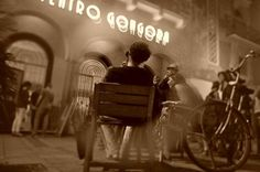 Inés Calvache obtiene el 'Miradas Ciudadanas' ambientada en el Teatro Góngora de Córdoba.