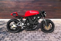 el-osario:  Ducati cafe from South Africa.