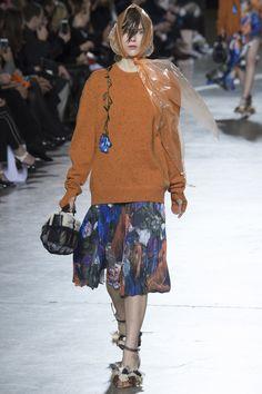 Christopher Kane Fall 2016 Ready-to-Wear Fashion Show - Alice Buckingham