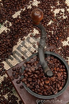 Coffee Beans and Grinder - Coffee Love - Kaffee Coffee Talk, I Love Coffee, Best Coffee, My Coffee, Coffee Drinks, Coffee Shop, Coffee Cups, Kona Coffee, Coffee Girl