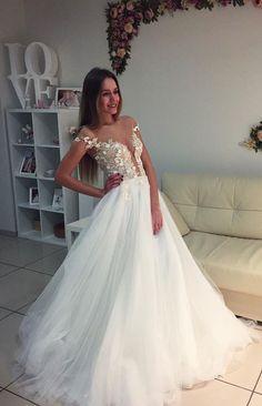 Elegant White Wedding Dress,Appliques Tulle Wedding Gown,Elegant Bridal