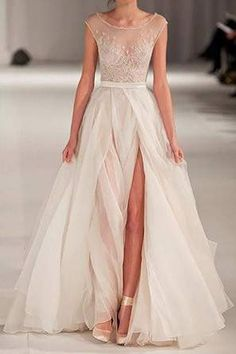 Ballerina inspired wedding dress on the runway @myweddingdotcom