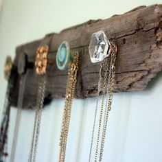 Save money with these cozy rustic home decor ideas! From furniture to home accents and storage ideas, there are over a hundred projects to choose from. Not only are these DIY ideas are easy on the wallet, they are also easy to make. You can complete most of these projects in less than a day. For most of these …