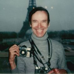 How Rihanna + Other Creatives Are Mourning Fashion Icon Bill Cunningham Bill Cunningham, Contemporary Photographers, Famous Men, People Art, Fashion History, Rihanna, Style Icons, Fashion Photography, Autumn Fashion