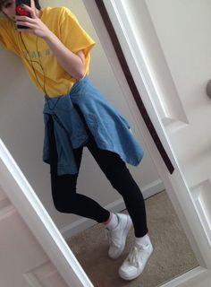 Look at this beautiful outfit amrilla shirt, black shoes and jean jacket, you can not miss it Soft Grunge, Grunge Fashion Soft, Style Grunge, Mode Punk, V Instagram, Look Girl, Lookbook, Mellow Yellow, Outfit Goals