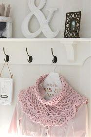 Crochet Cowl pattern in swedish Crochet Cowl Free Pattern, Crochet Motifs, Crochet Shawl, Crochet Stitches, Knit Crochet, Crochet Patterns, Crochet Scarves, Crochet Clothes, Crochet Lace Collar