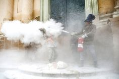 There's An Annual Flour Battle In Spain, And It Looks Absolutely Amazing  | Pinned by http://www.thismademelaugh.com