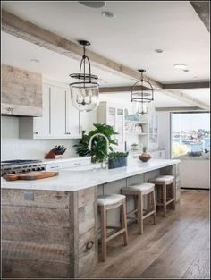 5 Rustic Kitchen Cabinet Designs for your Long Narrow Kitchen - Talkdecor Are you looking for a kitchen cabinet for your long narrow kitchen? These 5 rustic kitchen cabinet designs will make your kitchen look spacious. Rustic Kitchen Island, Rustic Kitchen Cabinets, Kitchen Cabinet Design, Interior Design Kitchen, Kitchen Wood, Modern Interior, Kitchen Islands, Kitchen Countertops, Kitchen Storage