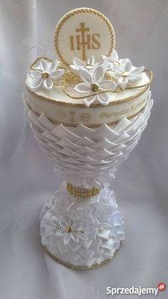 Kielich Pamiątka Komunii Św Domosławice First Communion Decorations, First Communion Party, Communion Gifts, Wedding Crafts, Kirchen, Flower Crafts, Event Planning, Holi, Floral