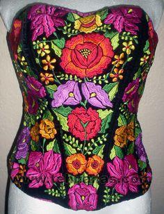 Top sobre terciopelo negro, estilo corazón, bordado a maquina, flores de colores, se ajusta a su medida