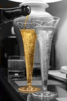 *Pour me a glass....Pleeeeze.  (Touch of Color)