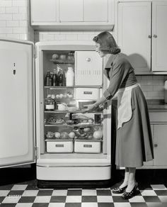 Shorpy Historic Picture Archive :: Major Appliance: 1948 high-resolution photo