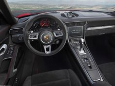 2018 Porsche 911 GTS Features