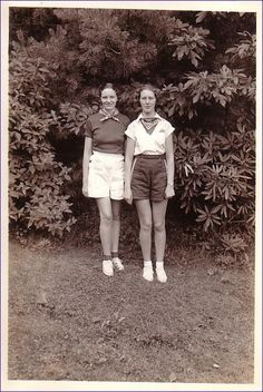 Summertime Means Shorts Time | 1940s girls http://thevintagetraveler.wordpress.com/2009/06/09/summertime-means-shorts-time/